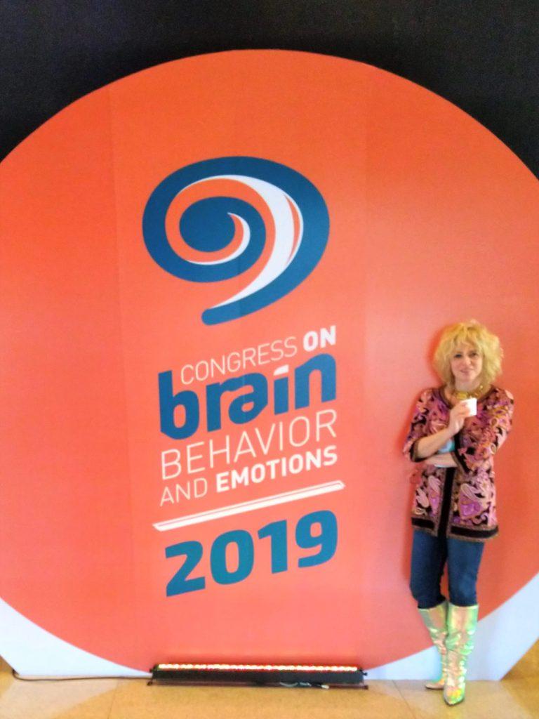 Foto da Dra. Sandra Bergesch na entrada no Congress on Brain 2019.