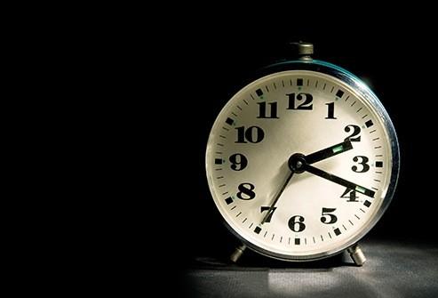 Relógio despertador parece sugerir que acordar cedo emagrece.