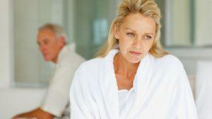 Síndrome Geniturinária da Menopausa causa problemas na esfera sexual.
